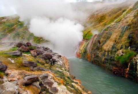 Долина Гейзеров на Камчатке - туры и экскурсии на Камчатке с Камчатским Бюро Путешествий и Экскурсий