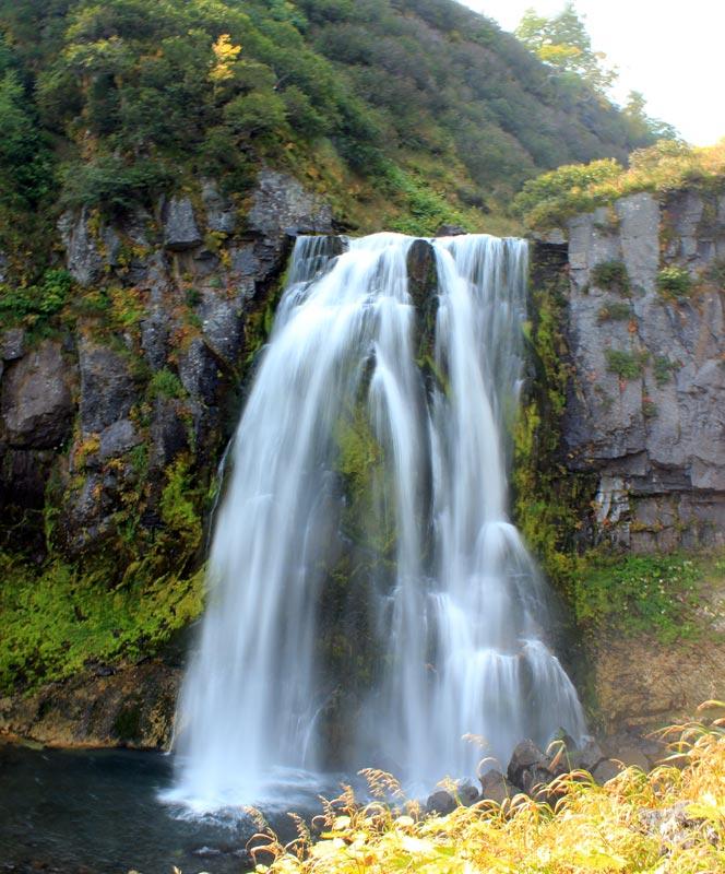 Водопад на ручье спокойный - туры и экскурсии по Камчатке