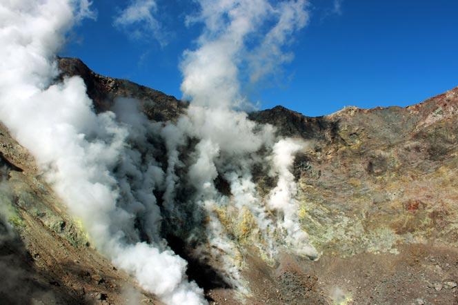 Кратер - вулкан Мутновский - Туры и экскурсии на Камчатке