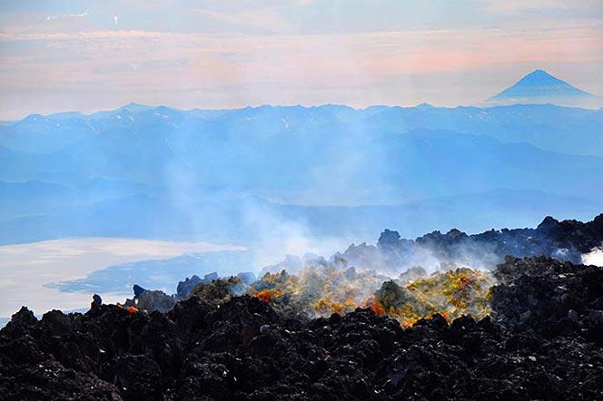 Извержение вулкана Толбачик на Камчатке - туры и экскурсии на Камчатке