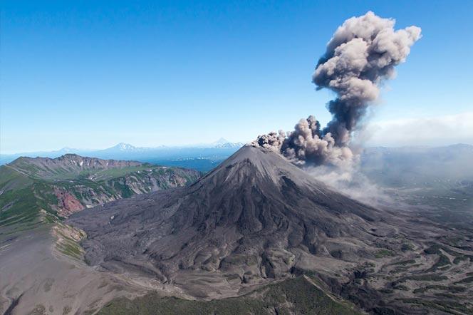Вулкан Карымский на Камчатке - туры и экскурсии на Камчатке