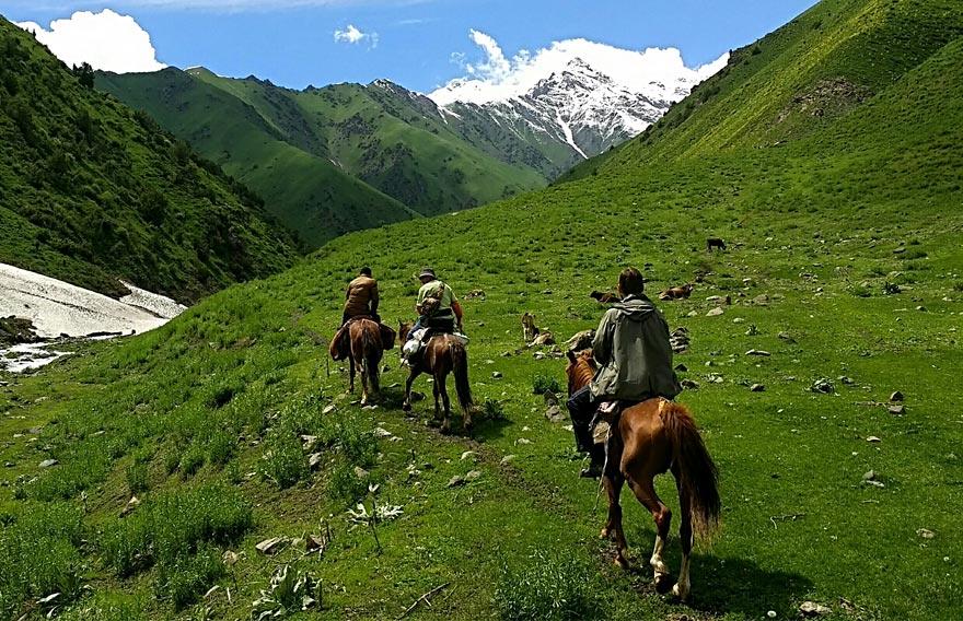 Конная прогулка - туры и экскурсии по Камчатке