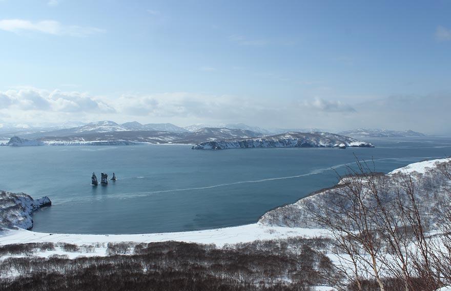 Авачинская бухта и Три брата на Камчатке - туры и экскурсии на Камчатке