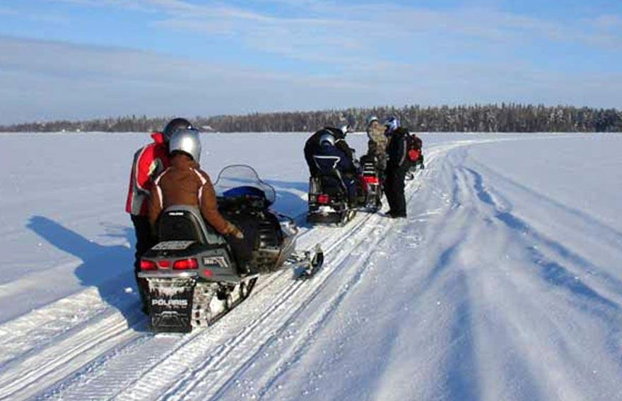 Тур и экскурсия на снегоходах на Большие Банные источники - туры и экскурсии на Камчатке