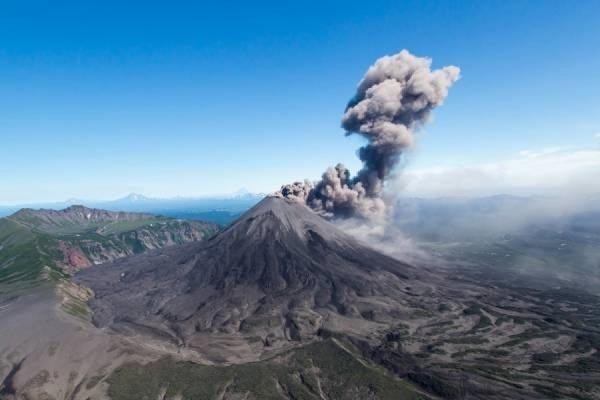 Вулкан Карымский на Камчатке - туры и экскурсии на Камчатку