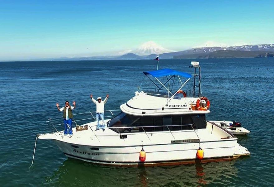 Аренда катера Светлана с экипажем - цены - туры и экскурсии на Камчатке