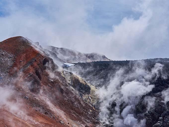 Извержения Авачинского вулкана - туры и экскурсии на Камчатке