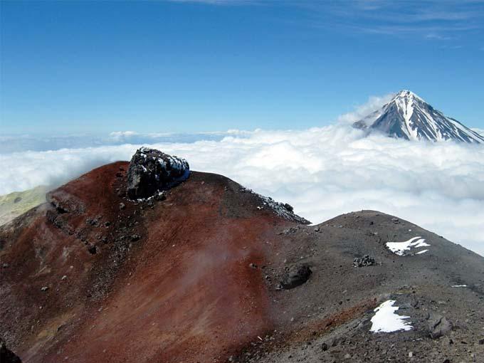 Кратер Авачинского вулкана - туры и экскурсии по Камчатке