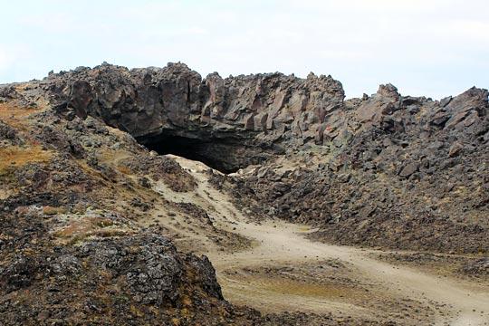 Пещеры вулкана Горелый - туры и экскурсии на Камчатке