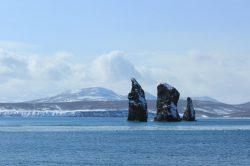 Скалы Три брата на Камчатке - туры и экскурсии на Камчатке